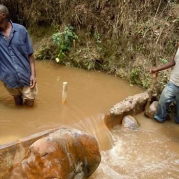 Beim Messen der Wassermenge